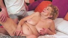 Busty blonde comes for a massage and gets fucked Thumb
