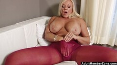 Sexy Russian shaven pussy fucked for cash Thumb