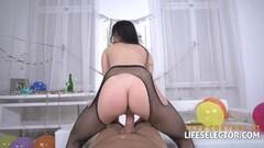 Katya Okuneva bouncing tits underwater Thumb