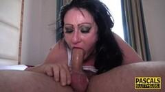 Suzane gives many blowjobs to horny group Thumb
