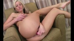 Horny gf squirt and cums on her face Thumb