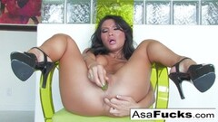4some muff stuffing action with Lia Nasty and Ulan Thumb