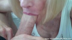 Sizzling brunette toys her pussy Thumb