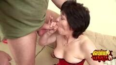 Randy babe Brittney White enjoys threesome Thumb