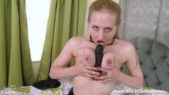 Wild babe Roxy Taggart loves cock Thumb