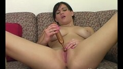 Wild babe gets her pussy slammed Thumb