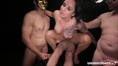 American MILF Scarlet playing with her hairy pussy Thumb