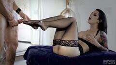 Fantastic striptease Thumb