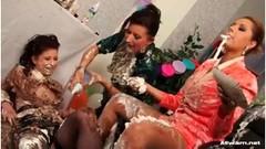 Messy lesbian birthday with three horny whores Thumb