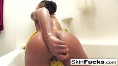 Ebony Skin Diamond's sexy and naughty bathtime Thumb