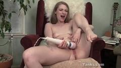 Frisky Yanks Ela Masturbating Thumb