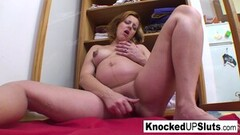 Kinky Knocked up blonde fucks herself good Thumb