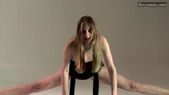 Kinky Sofia Zhiraf Russian brunette teen spreading legs Thumb
